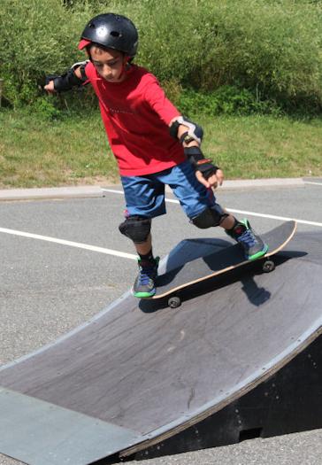 Skate park element